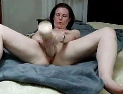 Mind-blowing milf huge dildo and squirt