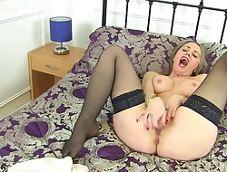 Mature mother Sofia with sexy assets and greedy cunt